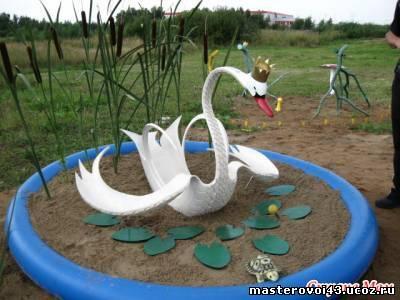 попадаться взору лебеди из